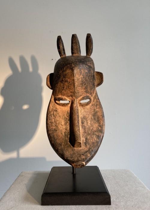 CONGO Carved wood, circa 1930 39 x 18 x 17cm £495